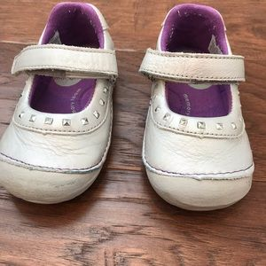 Stride Rite toddler girl silver shoes size 5.5